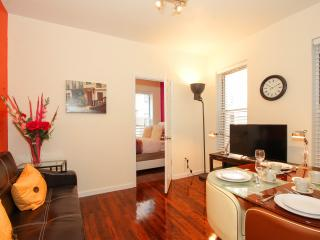 Charming Luxury 2 Bedroom 13 Min to Times Square - New York City vacation rentals