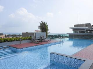 Jomtien beach sea view Top floor - Chon Buri vacation rentals