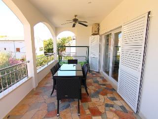 Apartment Larus 166 - 6+2 - Arbanija vacation rentals