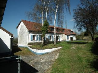 Nice Farmhouse Barn with Internet Access and Central Heating - Argoules vacation rentals