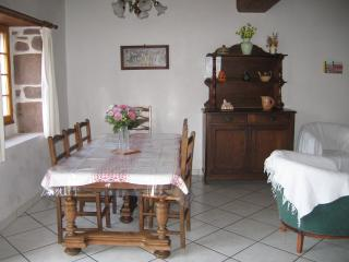 Nice House with Internet Access and Central Heating - Saint-Etienne-de-Baigorry vacation rentals