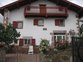 ELGARTEA  - 8 persons - Saint-Etienne-de-Baigorry vacation rentals