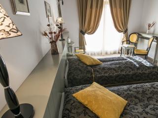 19 bedroom Villa with Elevator Access in Bran - Bran vacation rentals