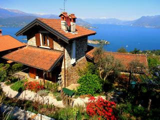 Lovely Villa with Internet Access and Satellite Or Cable TV - Stresa vacation rentals