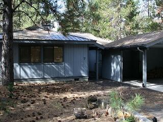 Bobcat 7, rustic cabin feel. Call for more information - Sunriver vacation rentals