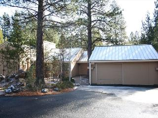 Eagle Cap 7 Separate game room, Plenty of parking, Close to Ft. Rock Park - Sunriver vacation rentals