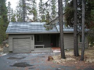 GOL17 Uncorked/PacAm Special! Stay 4-7 nights, every 3rd night free +15% off - Sunriver vacation rentals