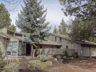 Grouse 4 Has an additional family room & a suana. - Sunriver vacation rentals