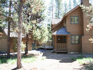 Mt Adams 6  Fun & affordable located at Sunriver's northern end. - Sunriver vacation rentals