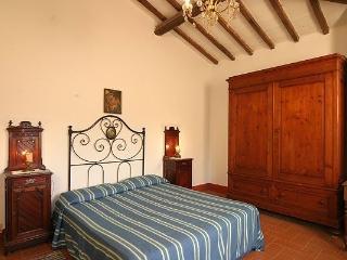 Bright 3 bedroom Poggibonsi Condo with Internet Access - Poggibonsi vacation rentals