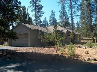 POP32 3rd Night Free Over Presidents' Day Weekend - Sunriver vacation rentals