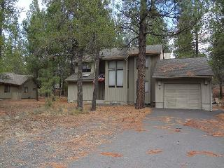 Red Fir 6 Very close to SHARC and the Village At Sunriver! - Central Oregon vacation rentals
