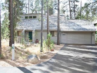 Virginia Rail 4 Family friendly, two stories and comes with bikes! - Sunriver vacation rentals