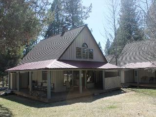 Nice Condo with Deck and Internet Access - Sunriver vacation rentals