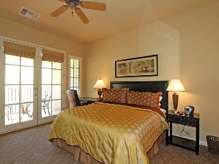 An Upstairs Legacy Villas Studio with Unobstructed Mountain Views - La Quinta vacation rentals