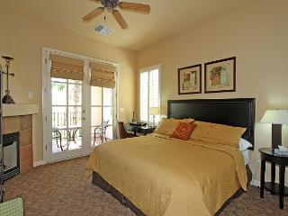 An Upstairs Studio Legacy Villa with a King Bed and Private Balcony! - La Quinta vacation rentals