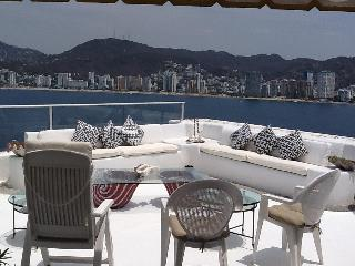 Four Bedrooms Pent House Ocean-front, las Brisas Guitarron - Acapulco vacation rentals