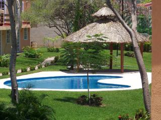 Beautiful House Morrocoy Ixtapa - Ixtapa vacation rentals