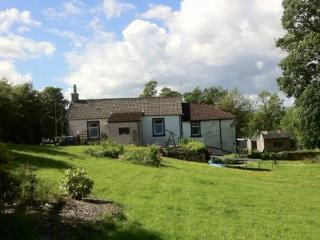Peaceful lower floor attatched cottage pet friendl - Glasgow vacation rentals