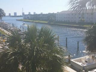 Beautiful Intracoastal condo  with amazing view... - North Palm Beach vacation rentals