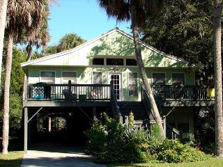 "1021 Byrd St.- ""The Flamingo"" - Edisto Beach vacation rentals"