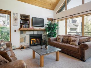 Cozy 3 bedroom Alta Condo with Mountain Views - Alta vacation rentals