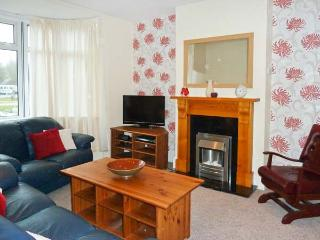 ACACIA HOUSE, enclosed garden, pet-friendly, child-friendly cottage in Weymouth, Ref. 912573 - Dorset vacation rentals