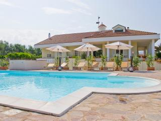 Villa Liberti - Terrace Apartment - Castellabate vacation rentals