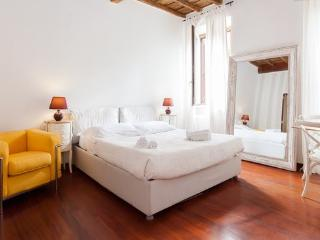 Suite Ambra - Spanish Steps - Rome vacation rentals