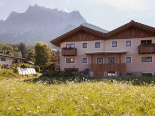 Nice Chalet with Internet Access and Dishwasher - Ehrwald vacation rentals