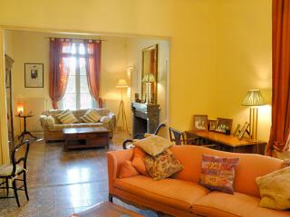 Charming 5 bedroom Vacation Rental in Servian - Servian vacation rentals