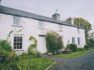 4 bedroom Farmhouse Barn with Internet Access in Aberdovey / Aberdyfi - Aberdovey / Aberdyfi vacation rentals
