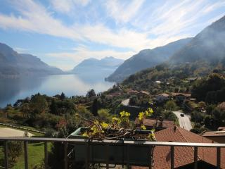 Apt Zina in Villa with Garden and Parking.Bellagio - Bellagio vacation rentals