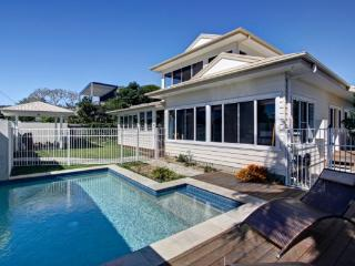 Gorgeous 6 bedroom House in Byron Bay with A/C - Byron Bay vacation rentals