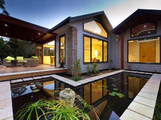Bright 4 bedroom House in Ewingsdale - Ewingsdale vacation rentals