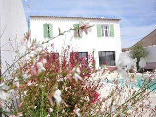Beach House with swimming pool in Ile de ré - Sainte Marie de Re vacation rentals