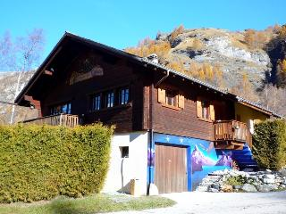 Comfortable 4 bedroom Evolene Chalet with Internet Access - Evolene vacation rentals