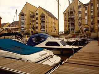 Quayside in Shoreham Beach with pool & gym - Shoreham-by-Sea vacation rentals