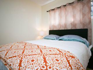 Venice Beach 4 Bedroom Home + Den LA010 - Venice Beach vacation rentals