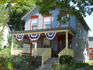 Serendipity/Sandune: 5 suites steps from the beach - Frankfort vacation rentals