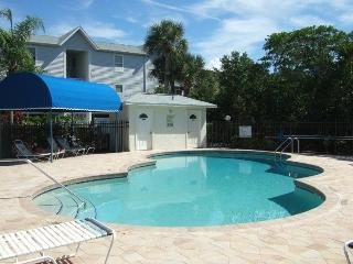 Sandy Pointe 110, recently remodel, pet friendly - Holmes Beach vacation rentals