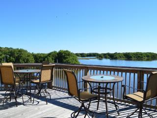 Paradise Pointe Cedar Key Family & Fishing retreat - Cedar Key vacation rentals