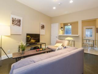 Cozy 1 Bedroom in the heart of West Hollywood - West Hollywood vacation rentals
