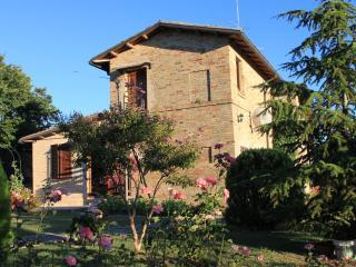 La Quiete di Ros, un'oasi di pace, mare e monti - Morrovalle Scalo vacation rentals