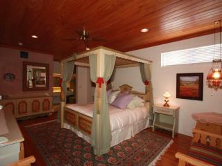Bavarian Suite at Friedhelm's Restaurant - Fredericksburg vacation rentals