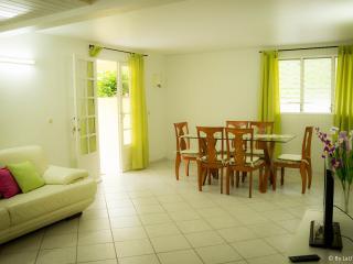 2 bedroom Condo with Internet Access in Le Robert - Le Robert vacation rentals