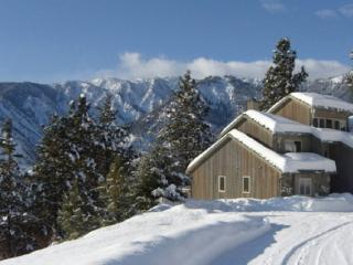 Back of the Moon Lodge - Spectacular B&B Retreat - Leavenworth vacation rentals