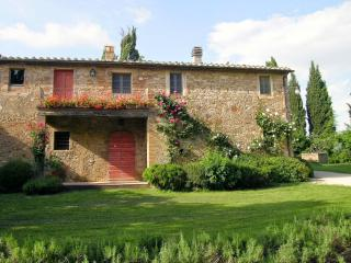 4 bedroom Villa in San Giovanni d Asso, Val d Orcia, Tuscany, Italy : ref - Lucignano D'asso vacation rentals
