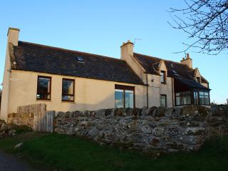 Beautiful 4 bedroom Farmhouse Barn in Invergordon - Invergordon vacation rentals
