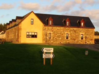 Comfortable 2 bedroom Invergordon Cottage with Water Views - Invergordon vacation rentals